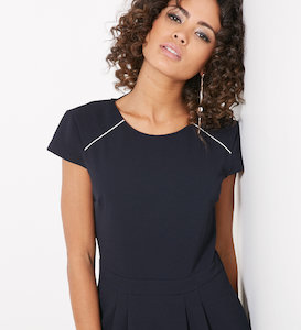 Robe taille marquée